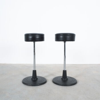 Eilleen Gray Stool Black Leather 03