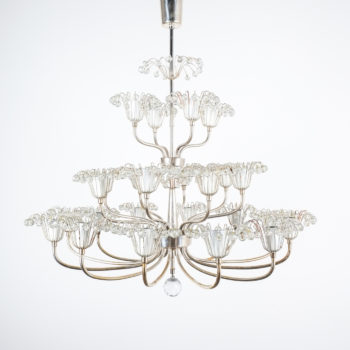 emil Stejnar wedding cake chandelier silver_03
