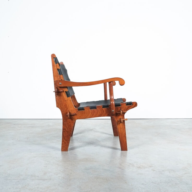 Angel Pazmino Rosewood Safari Chairs 01