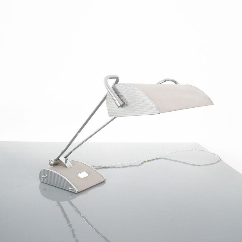 Eileen Gray Grey Jumo Lamp 01