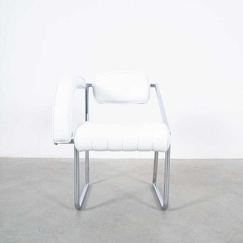 Eilleen Gray Chair White Non Conformist 05
