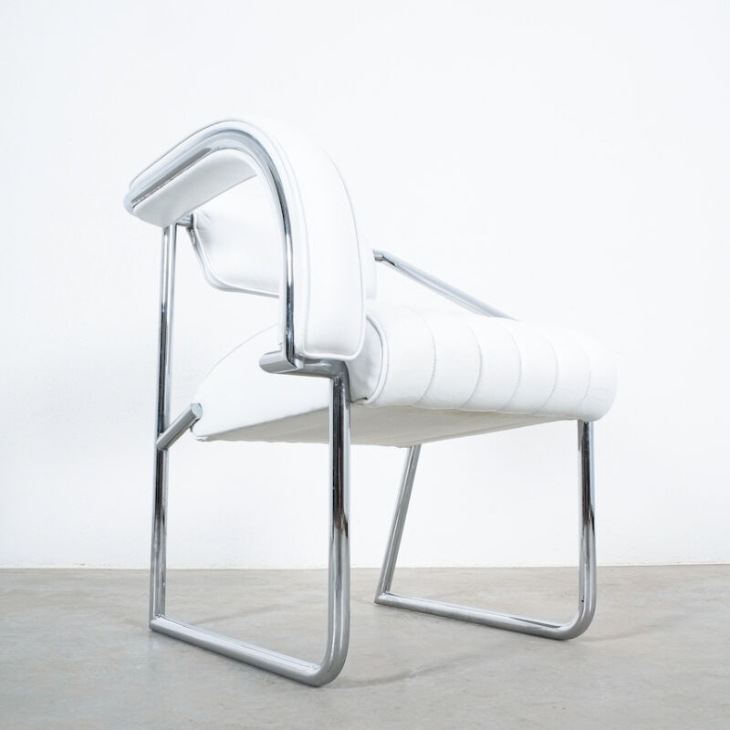 Eilleen Gray Chair White Non Conformist 06