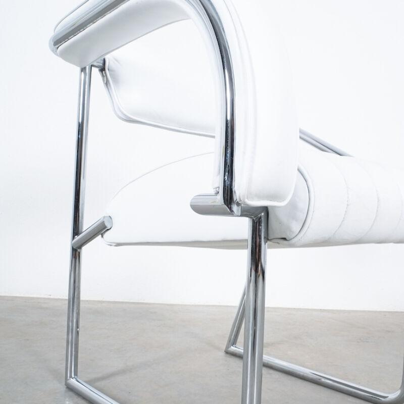 Eilleen Gray Chair White Non Conformist 07