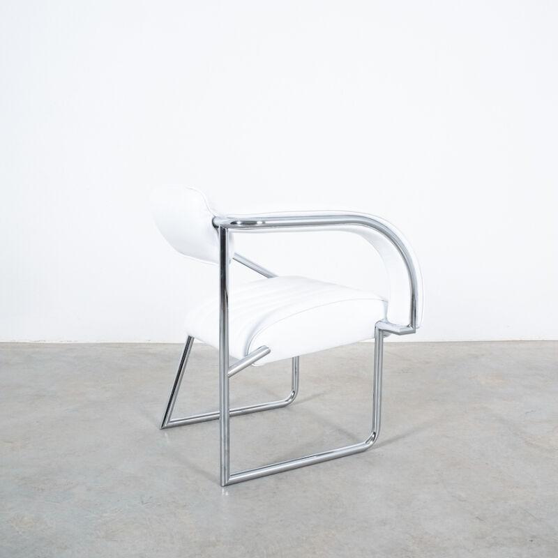 Eilleen Gray Chair White Non Conformist 09