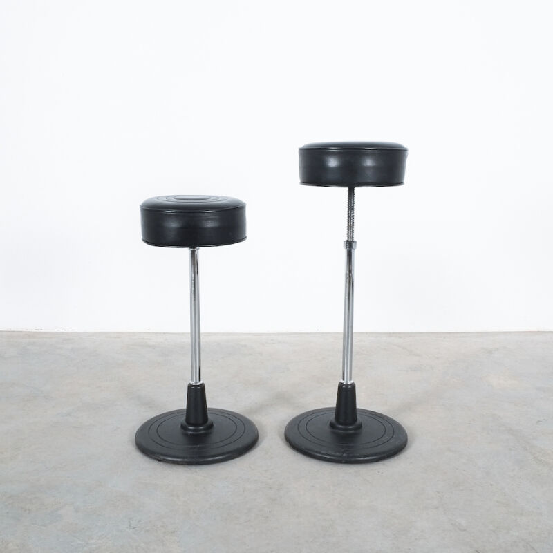Eilleen Gray Stool Black Leather 05