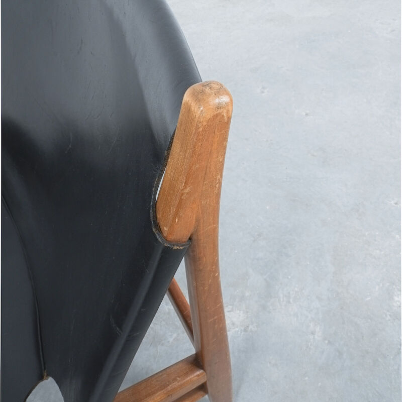 Franz Xaver Lutz Chimney Leather Chair 04