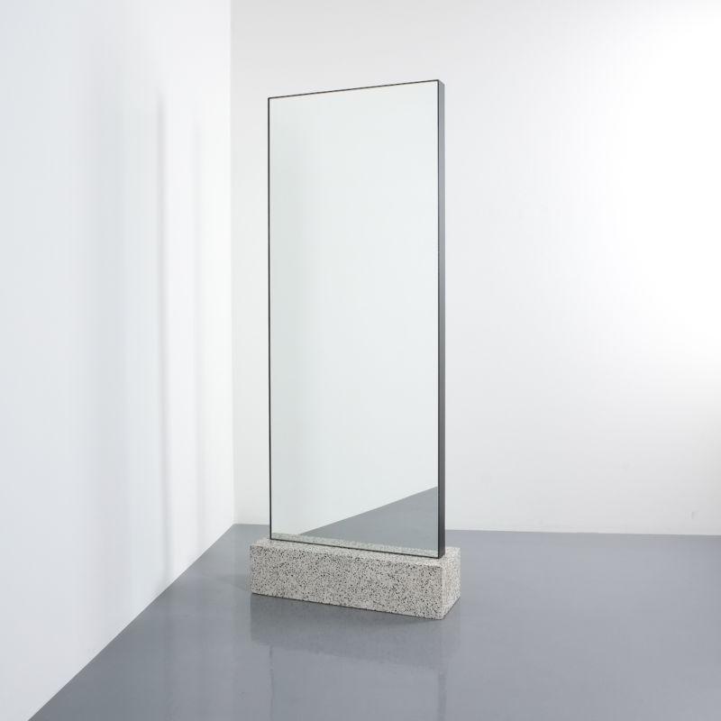 Memphis floor mirror_03