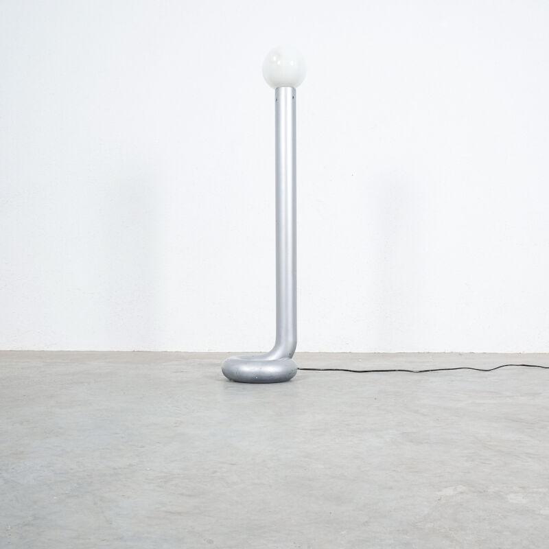 Bent Tube Floor Lamp 02