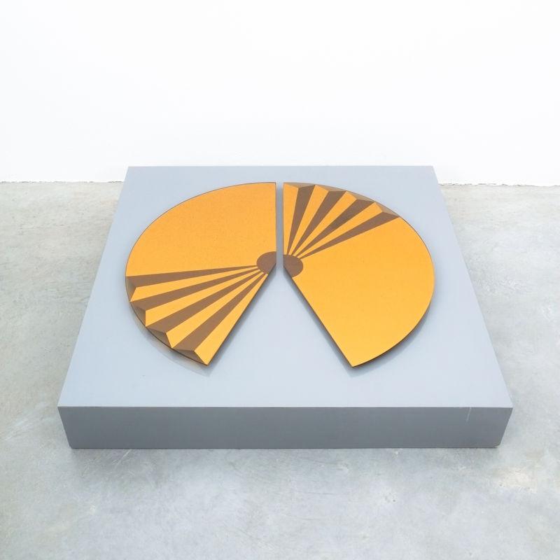 Bonze Gold Mirror Fan 1980 01