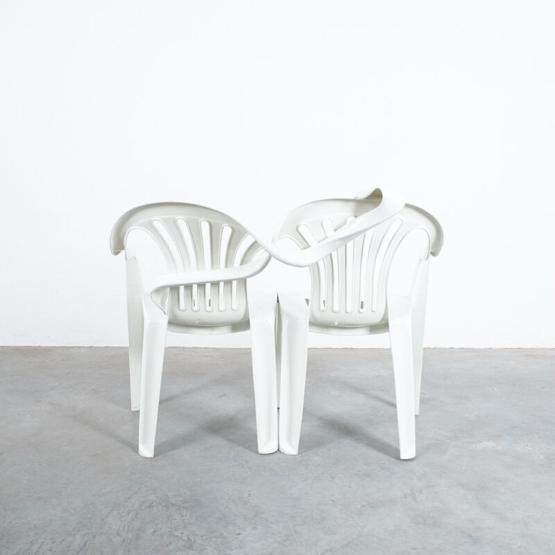 Dude Bench Plastic Chair Bert Loeschner 02