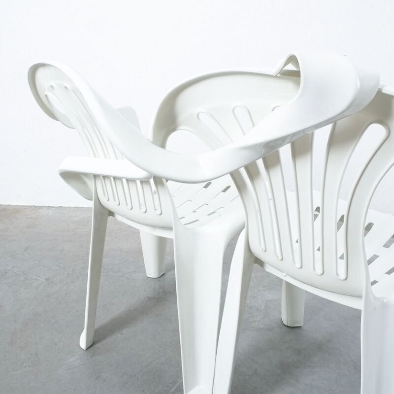Dude Bench Plastic Chair Bert Loeschner 03