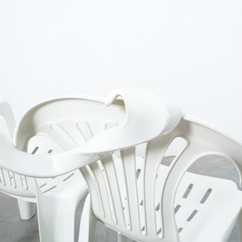 Dude Bench Plastic Chair Bert Loeschner 04