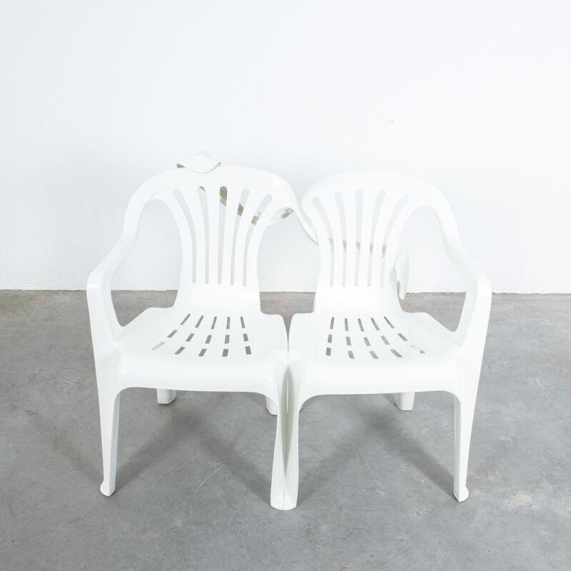 Dude Bench Plastic Chair Bert Loeschner 08