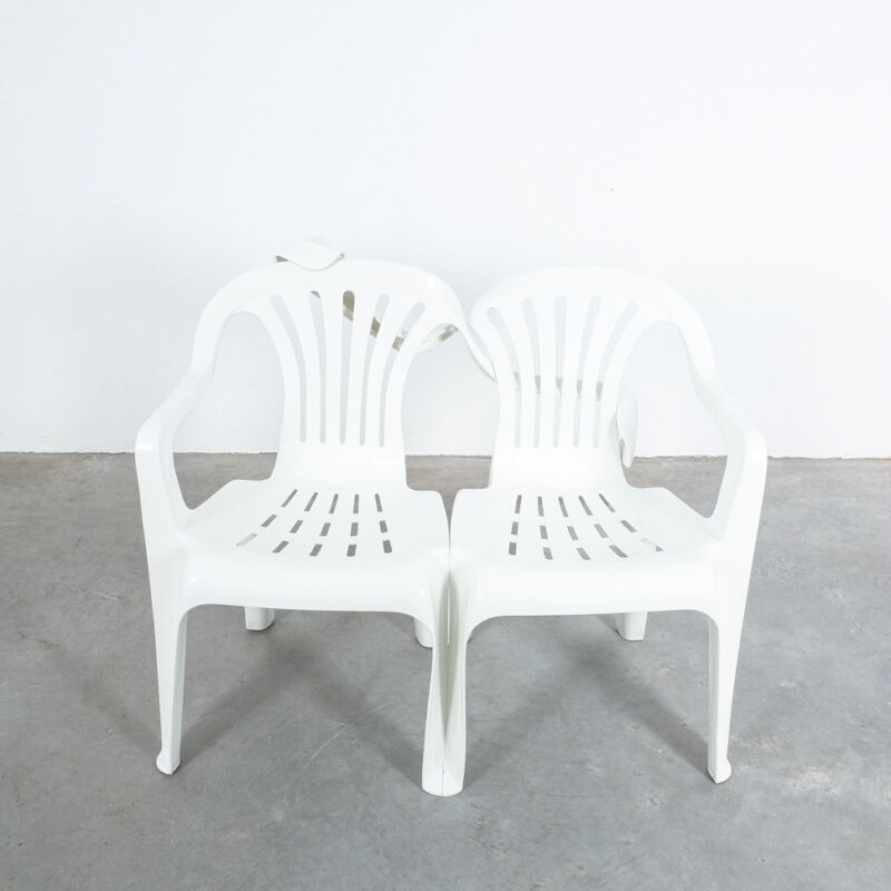 Dude Bench Plastic Chair Bert Loeschner 08