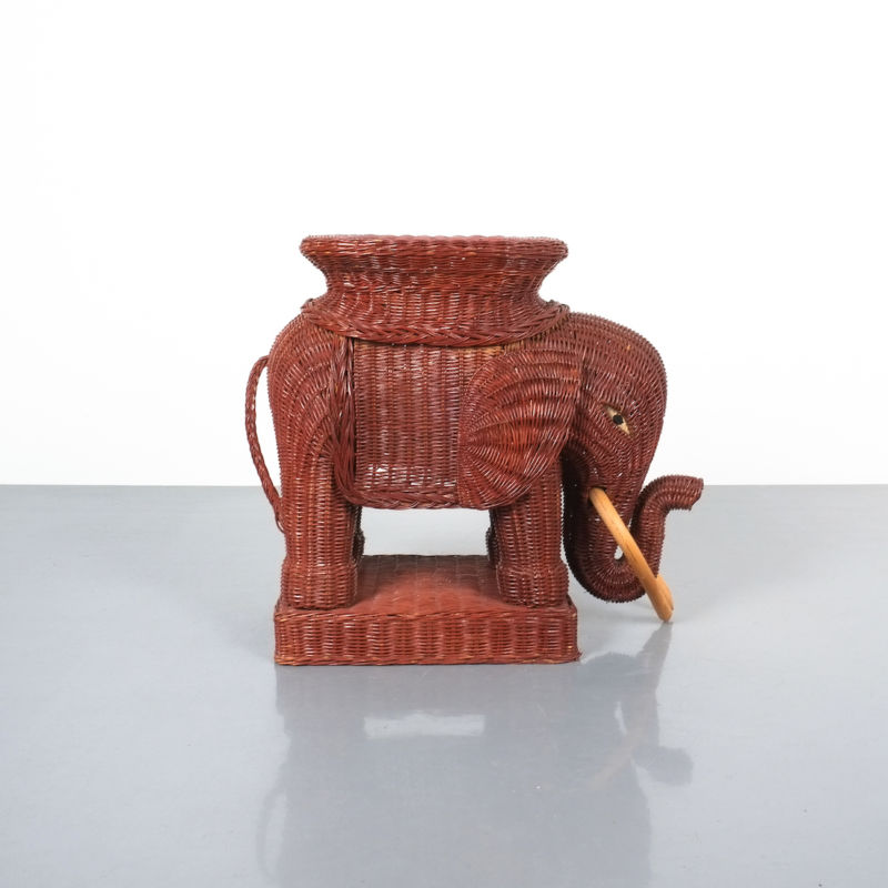 elephant wicker table_01