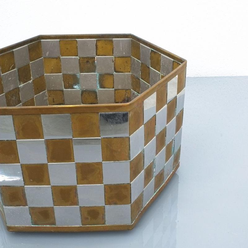 Planter Brass Chrome A970 01