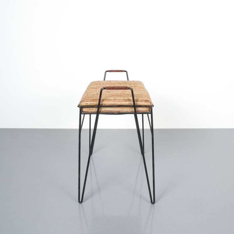 wire frame stools _05