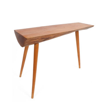 George Nakashima Sculptural elegant end table in the style of George Nakashima. Good condition.
